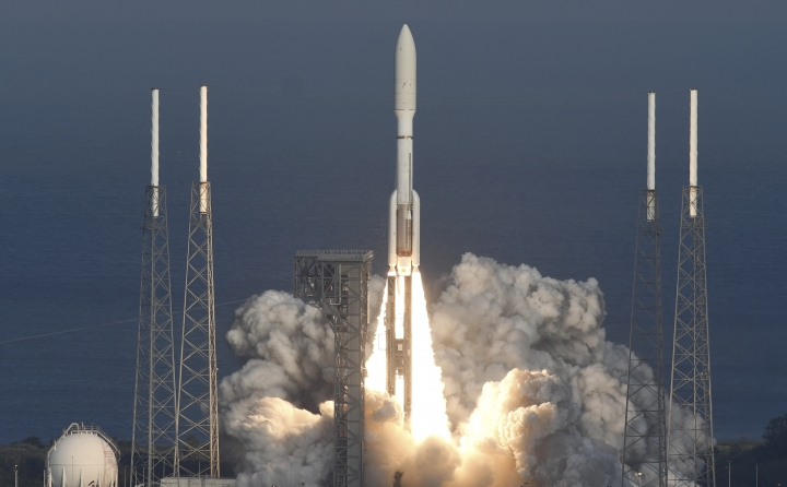 A United Launch Alliance Atlas V rocket lifts off from Cape Canaveral Air Force Station in Florida on Thursday, March 1, 2018. The rocket is carrying the GOES-S weather satellite. (Craig Bailey/Florida Today via AP)