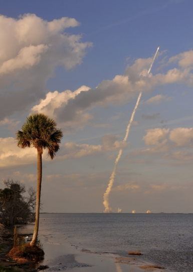 A United Launch Alliance Atlas V rocket lifts off from Cape Canaveral Air Force Station in Florida, seen from KARS Park on Merritt Island, near Cocoa Bean, Fla., Thursday, March 1, 2018. NASA launched another of the world's most advanced weather satellites on Thursday, this time to safeguard the western U.S. The GOES-S satellite thundered toward orbit aboard an Atlas V rocket. (Malcolm Denemark/Florida Today via AP)