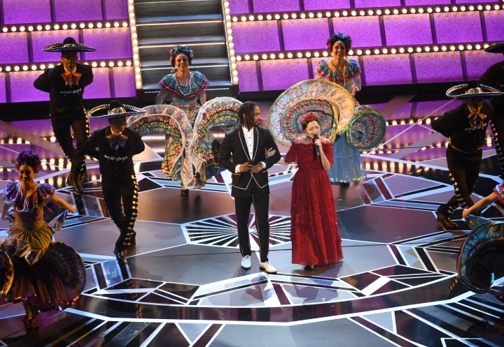 "Miguel Lafourcade, left, and Natalia Lafourcade perform ""Remember Me"" from ""Coco"" at the Oscars on Sunday, March 4, 2018, at the Dolby Theatre in Los Angeles. (Photo by Chris Pizzello/Invision/AP)"