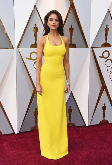 Eiza Gonzalez arrives at the Oscars on Sunday, March 4, 2018, at the Dolby Theatre in Los Angeles. (Photo by Jordan Strauss/Invision/AP)