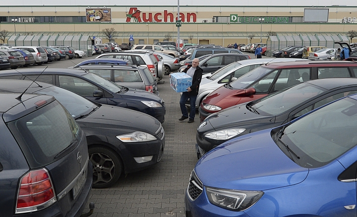 In this March 10, 2018 photo, People do last-minute shopping before a ban on some Sunday trade takes place. A new Polish law banning almost all trade on Sundays has taken effect Sunday March 11, 2018, with large supermarkets and most other retailers closed Sunday for the first time since liberal shopping laws were introduced in the 1990s after communism's collapse .(AP Photo/Czarek Sokolowski)