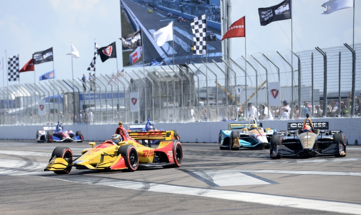 Ryan Hunter-Reay (28) and James Hinchcliffe (5) come into Turn 1 at the start of the IndyCar Firestone Grand Prix of St. Petersburg, Sunday, March 11, 2018, in St. Petersburg, Fla. (AP Photo/Jason Behnken)