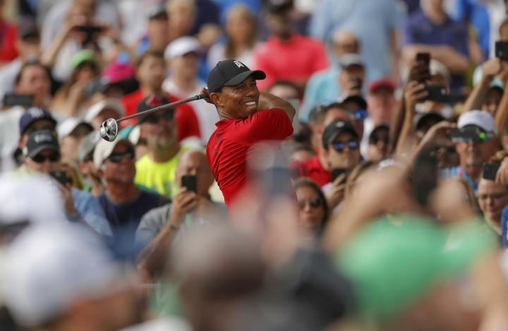 Tiger Woods tees off on the 16th hole during the final round of the Valspar Championship golf tournament Sunday, March 11, 2018, in Palm Harbor, Fla. (AP Photo/Mike Carlson)