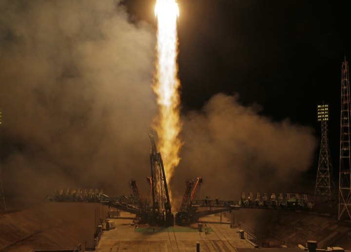 The Soyuz-FG rocket booster with Soyuz MS-08 space ship carrying a new crew to the International Space Station, ISS, blasts off at the Russian leased Baikonur cosmodrome, Kazakhstan, Wednesday, March 21, 2018. The Russian rocket carries Russian cosmonaut Oleg Artemyev, and U.S. astronauts Richard Arnold and Andrew Feustel. (AP Photo/Dmitri Lovetsky)