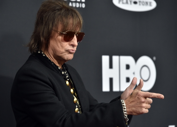 Richie Sambora arrives at the red carpet before the Rock and Roll Hall of Fame induction ceremony, Saturday, April 14, 2018, in Cleveland. (AP Photo/David Richard)
