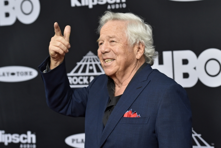 New England Patriots owner Robert Kraft arrives on the red carpet before the Rock and Roll Hall of Fame induction ceremony, Saturday, April 14, 2018, in Cleveland. (AP Photo/David Richard)