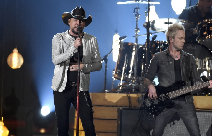"Jason Aldean performs ""You Make It Easy"" at the 53rd annual Academy of Country Music Awards at the MGM Grand Garden Arena on Sunday, April 15, 2018, in Las Vegas. (Photo by Chris Pizzello/Invision/AP)"