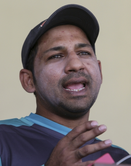 "Pakistan's skipper Sarfraz Ahmed speaks during a press conference in Lahore, Pakistan, Saturday, April 21, 2018. Ahmed believes ""best of the best"" 16 players for the test tours of Ireland and England have been picked after former test cricketers have criticized the non-selection of middle-order batsman Fawad Alam. (AP Photo/K.M. Chaudary)"