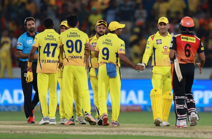 Chennai Super Kings captain Mahinder Singh Dhoni, right, along with team members celebrate winning the VIVO IPL cricket T20 match against Sunrisers Hyderabad in Hyderabad, India, Sunday, April 22, 2018. (AP Photo/Mahesh Kumar A.)