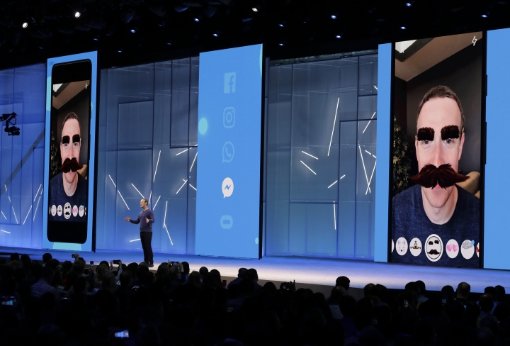 Facebook CEO Mark Zuckerberg makes the keynote address at F8, Facebook's developer conference, Tuesday, May 1, 2018, in San Jose, Calif. (AP Photo/Marcio Jose Sanchez)