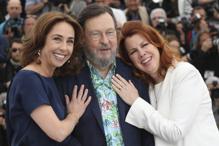 Actress Sofie Grabol, from left, director Lars von Trier and actress Siobhan Fallon Hogan pose for photographers during a photo call for the film 'The House That Jack Built' at the 71st international film festival, Cannes, southern France, Monday, May 14, 2018. (Photo by Vianney Le Caer/Invision/AP)