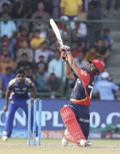Delhi Daredevils Rishabh Pant plays shot during the VIVO IPL Twenty20 cricket match against Mumbai Indians in New Delhi, India, Sunday, May 20, 2018. (AP Photo/Manish Swarup)