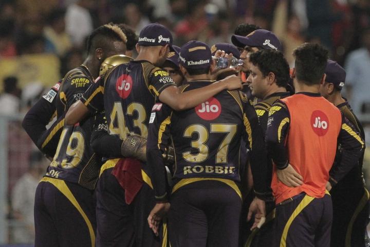 Kolkata Knight Riders' players huddle during the VIVO IPL cricket T20 match against Rajasthan Royals in Kolkata, India, Wednesday, May 23, 2018. (AP Photo/Bikas Das)