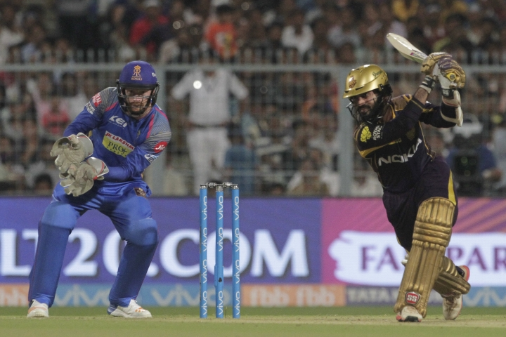 Kolkata Knight Riders' Dinesh Karthik bats during the VIVO IPL cricket T20 match against Rajasthan Royals in Kolkata, India, Wednesday, May 23, 2018. (AP Photo/Bikas Das)