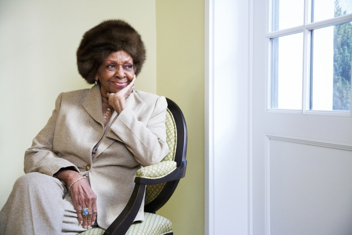 "FILE - In this Jan. 22, 2013, file photo American gospel singer and author Cissy Houston poses for a portrait in New York. Cissy Houston, Whitney Houston's mother, said allegations that her superstar daughter and her son were molested by her niece are ""unfathomable."" In a statement to People magazine on behalf of herself and sister, singer Dionne Warwick, Cissy Houston revealed they first learned of the claims two days before the documentary ""Whitney"" premiered in May. (Photo by Dan Hallman/Invision/AP, File)"
