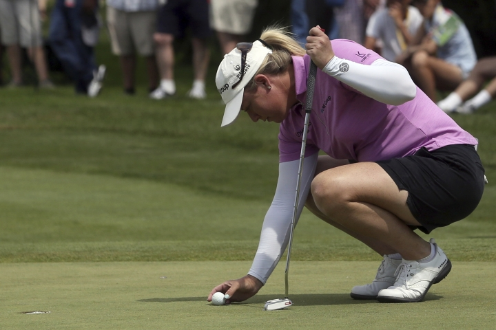 Brittany Lincicome lines up her putt on the ninth hole during the first round of the LPGA Marathon Classic golf tournament, Thursday, July 12, 2018, at Highland Meadows Golf Club in Sylvania, Ohio. (Kurt Steiss/The Blade via AP)