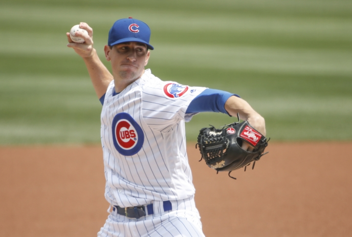 Chicago Cubs starting pitcher Kyle Hendricks delivers against the Washington Nationals during the first inning of a baseball game, Friday, Aug. 10, 2018, in Chicago. (AP Photo/Kamil Krzaczynski)