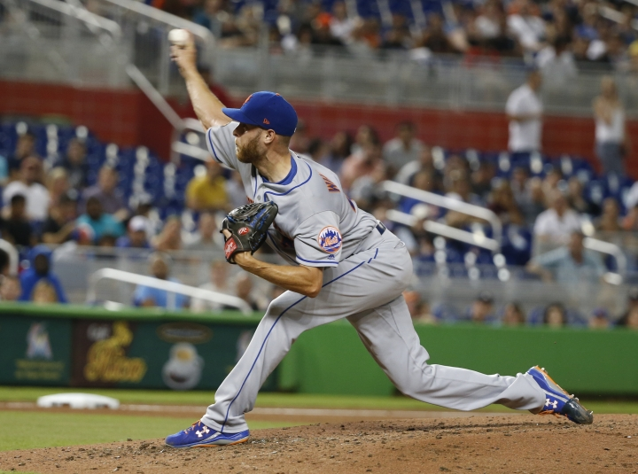 New York Mets' Zack Wheeler delivers a pitch during the fourth inning of a baseball game against the Miami Marlins, Friday, Aug. 10, 2018, in Miami. (AP Photo/Wilfredo Lee)