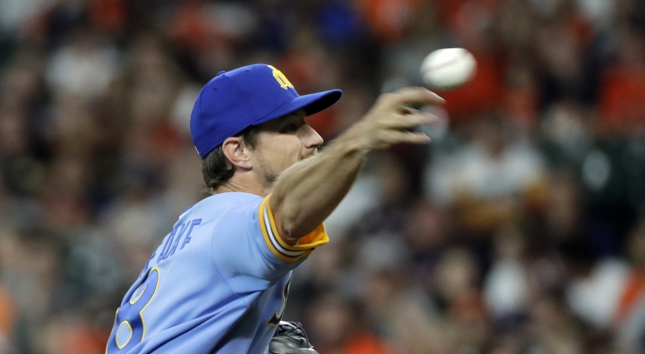 Seattle Mariners starting pitcher Mike Leake throws to a Houston Astros batter during the first inning of a baseball game Friday, Aug. 10, 2018, in Houston. (AP Photo/David J. Phillip)