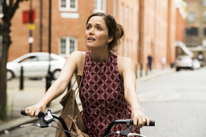 """This image released by Lionsgate and Roadside Attractions shows Rose Byrne in a scene from """"Juliet, Naked."""" (Alex Bailey/Lionsgate and Roadside Attractions via AP)"""