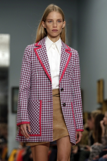 The Carolina Herrera spring 2019 collection is modeled during Fashion Week in New York, Monday, Sept. 10, 2018. (AP Photo/Richard Drew)