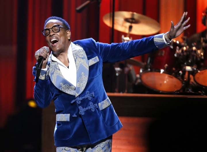 """In this Oct. 8, 2018, photo, Charlie Wilson performs during """"An Opry Salute to Ray Charles"""" at the Grand Ole Opry House in Nashville, Tenn. (AP Photo/Mark Humphrey)"""