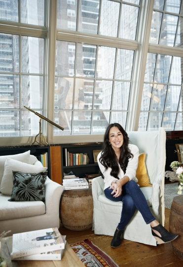 "CORRECTS VENUE NAME - In this Nov. 6, 2018 photo, Joanna Gaines poses for a portrait at The Greenwich Hotel in New York to promote her book ""Homebody: A Guide to Creating Spaces You Never Want to Leave."" (Photo by Brian Ach/Invision/AP)"