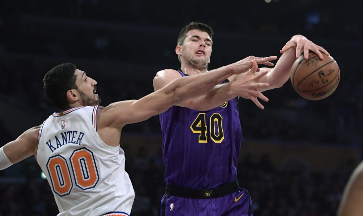 New York Knicks center Enes Kanter, left, blocks the shot of Los Angeles Lakers center Ivica Zubac during the first half of an NBA basketball game Friday, Jan. 4, 2019, in Los Angeles. (AP Photo/Mark J. Terrill)