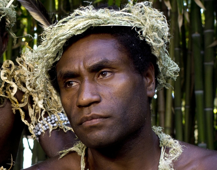 """FILE - This Sept. 9, 2015, file photo shows Mungau Dain in Venice, Italy. Dain had never considered acting before he starred in the Oscar-nominated film """"Tanna."""" He got the role because his elders decided he was the best-looking guy in their traditional village on the Pacific nation of Vanuatu. Dain died Saturday, Jan. 5, 2019, in the capital Port Vila, after contracting a leg infection that wasn't quickly treated. He was in his mid-20s. (AP Photo/Domenico Stinellis, File)"""