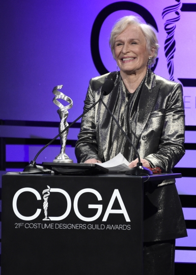 Glenn Close accepts the spotlight award at the 21st annual Costume Designers Guild Awards at The Beverly Hilton Hotel on Tuesday, Feb. 19, 2019, in Beverly Hills, Calif. (Photo by Chris Pizzello/Invision/AP)