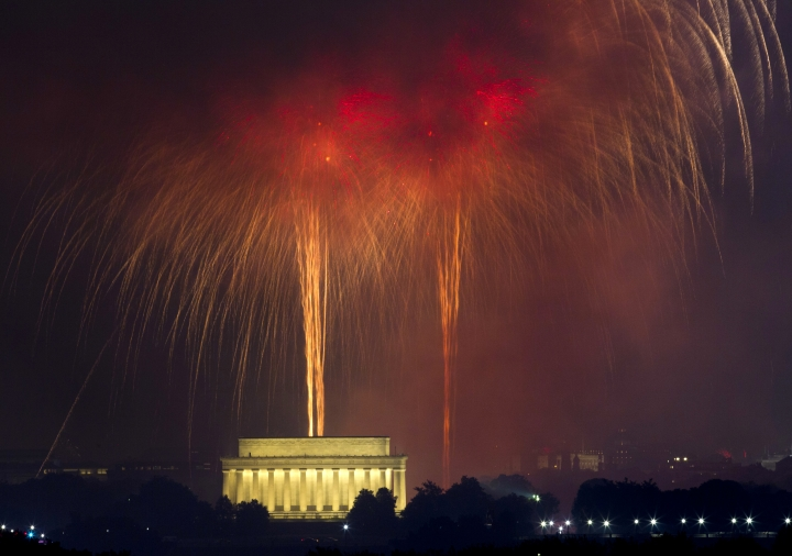 FILE - In a Tuesday, July 4, 2017 file photo, fireworks explode over Lincoln Memorial at the National Mall in Washington, during the Fourth of July celebration. President Donald Trump tweeted Sunday, Feb. 24, 2019 that he'll host a July Fourth celebration at the Lincoln Memorial. (AP Photo/Jose Luis Magana, File)