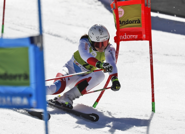 Switzerland's Wendy Holdener competes during an alpine ski, World Cup team event, in Soldeu, Andorra, Friday, March 15, 2019. (AP Photo/Gabriele Facciotti)