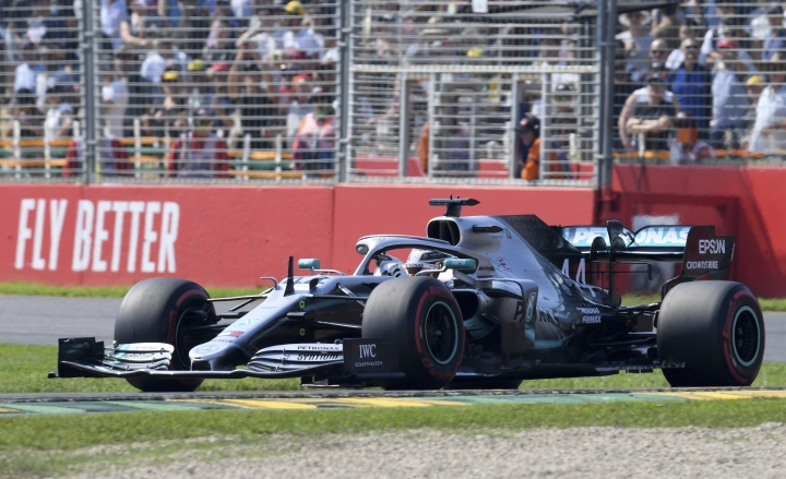 Mercedes driver Lewis Hamilton of Britain drives his car during the final practice session for the Australian Grand Prix in Melbourne, Australia, Saturday, March 16, 2019. The first race of the year is Sunday. (AP Photo/Andy Brownbill)