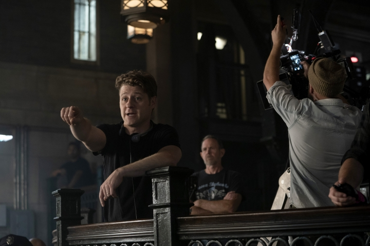 """This image released by Fox shows actor-director Ben McKenzie directing the """"13 Stitches"""" episode of his series """"Gotham,"""" which aired on Feb. 14. During the five years he's starred as Gotham City police detective and future commissioner James Gordon in the Batman prequel, McKenzie also wrote two episodes and directed three others. (Fox via AP)"""