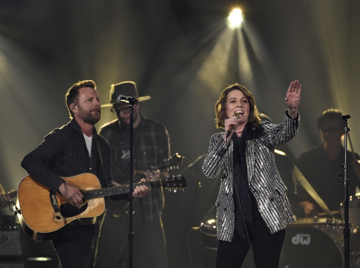 """Dierks Bentley, left, and Brandi Carlile perform """"Travelin' Light"""" at the 54th annual Academy of Country Music Awards at the MGM Grand Garden Arena on Sunday, April 7, 2019, in Las Vegas. (Photo by Chris Pizzello/Invision/AP)"""