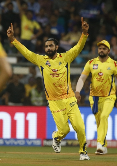 Chennai Super Kings Ravindra Jadeja celebrates the dismissal of Mumbai Indians Rohit Sharma during the VIVO IPL T20 cricket match between Mumbai Indians and Chennai Super Kings in Mumbai, India, Wednesday, April 3, 2019. (AP Photo/Rafiq Maqbool)