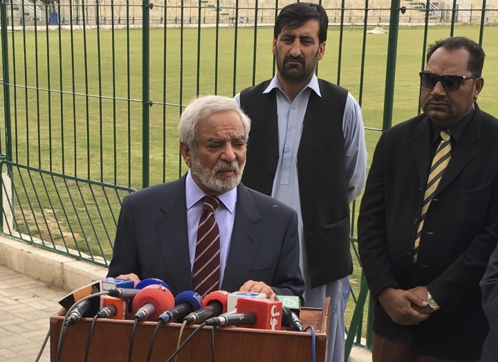 "Chairman Pakistan Cricket Board Ehsan Mani addresses reporters in Quetta, Pakistan, Wednesday, April 17, 2019. A meeting of the Pakistan Cricket Board ended abruptly Wednesday when five of its seven members walked out after their ideas to restructure the domestic game were dismissed. The five members presented a signed resolution which said departments and regions in the country should remain part of the domestic cricket setup. They also wanted the appointment of Wasim Khan as PCB managing director to be declared ""null and void."" (AP Photo/Arshad Butt)"
