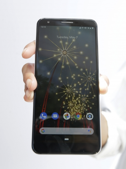 A Google Pixel 3a phone is shown at the Google I/O conference in Mountain View, Calif., Tuesday, May 7, 2019. (AP Photo/Jeff Chiu)