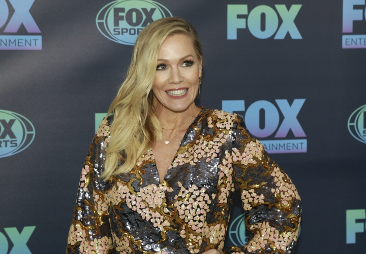 "Jennie Garth, from the cast of ""BH90210,"" attends the FOX 2019 Upfront party at Wollman Rink in Central Park on Monday, May 13, 2019, in New York. (Photo by Andy Kropa/Invision/AP)"