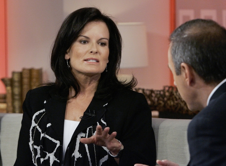 """FILE - In this April 11, 2007, file photo, Denise Brown, sister of murder victim Nicole Brown Simpson, is interviewed by NBC """"Today"""" show co-host Matt Lauer in New York. Denise Brown has remained the family's most outspoken critic of Simpson, although like the Goldman family she refuses to speak his name. The former model has become a victims' rights advocate and a speaker, urging both women and men to leave abusive relationships. (AP Photo/Richard Drew, File)"""