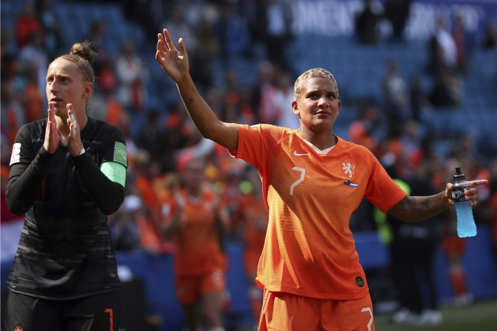 Netherlands' Shanice Van De Sanden, right, and Netherlands goalkeeper Sari Van Veenendaal acknowledge supporters after the Women's World Cup Group E soccer match between New Zealand and the Netherlands in Le Havre, France, Tuesday, June 11, 2019. The Netherlands won the match 1-0. (AP Photo/Francisco Seco)