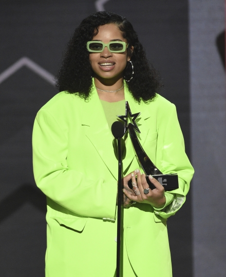 "Ella Mai accepts the viewers' choice award for ""Trip"" at the BET Awards on Sunday, June 23, 2019, at the Microsoft Theater in Los Angeles. (Photo by Chris Pizzello/Invision/AP)"
