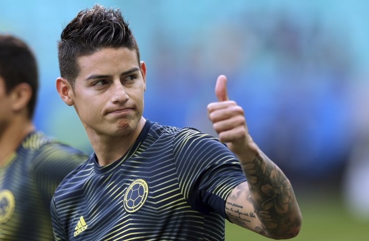 Colombia's James Rodriguez gives a thumbs up before a Copa America Group B soccer match against Paraguay at Arena Fonte Nova in Salvador, Brazil, Sunday, June 23, 2019. (AP Photo/Ricardo Mazalan)