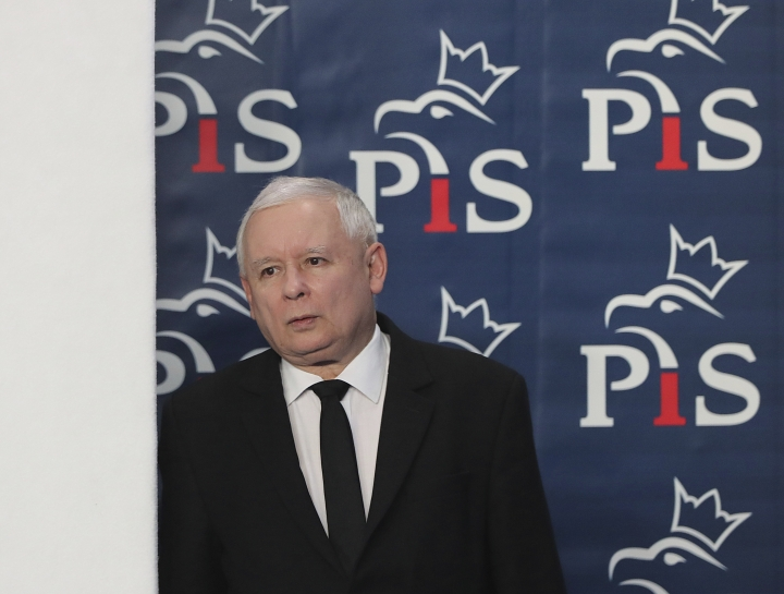 Jaroslaw Kaczynski, the head of Poland's ruling party, arrives at a news conference where the speaker of the parliament resigns in Warsaw, Poland, on Thursday Aug. 8, 2019. Kuchcinski's resignation was prompted by public anger over his and his family's frequent use of government planes. Kuchcinski and Kaczynski insisted that the speaker had broken no law and did nothing wrong. (AP Photo/Czarek Sokolowski)