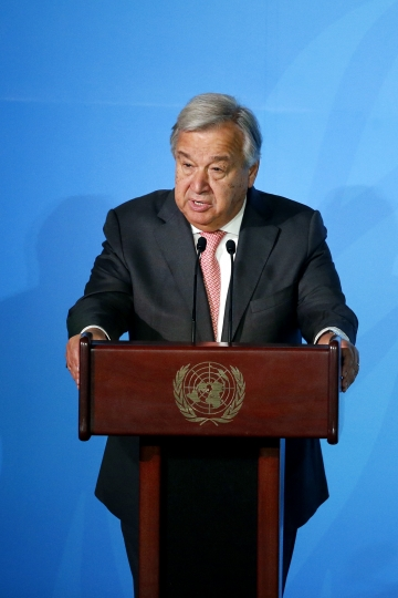 U.N. Secretary-General Antonio Guterres addresses the Climate Action Summit in the United Nations General Assembly, at U.N. headquarters, Monday, Sept. 23, 2019. (AP Photo/Jason DeCrow)