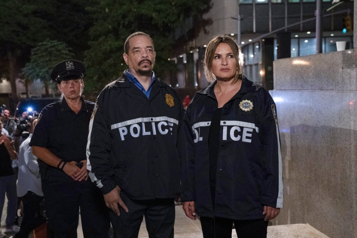 "This image released by NBC shows Ice T as Sergeant Odafin ""Fin"" Tutuola, left, and Mariska Hargitay as Lieutenant Olivia Benson in a scene from ""Law & Order: SVU."" The show's 21st season premieres on Sept. 26. (Photo by: Virginia Sherwood/NBC via AP)"