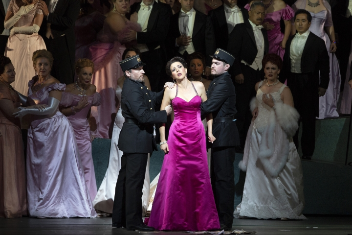 "This photo released by the Metropolitan Opera shows soprano Lisette Oropesa as the fortune-hunting heroine in a revival of Massenet's ""Manon"" at The Metropolitan Opera in New York. (Marty Sohl/Metropolitan Opera via AP)"