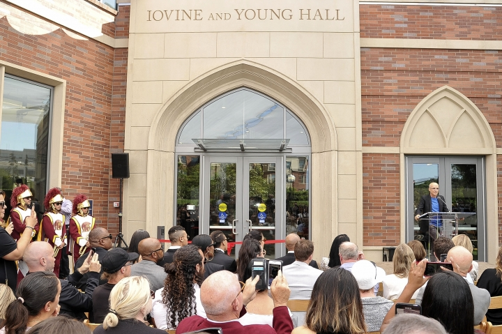 "Business entrepreneur Jimmy Iovine speaks at the unveiling of Iovine and Young Hall, named after and Iovine and his business partner Andre ""Dr. Dre"" Young, on the University of Southern California campus in Los Angeles on Wednesday, Oct. 2, 2019. The duo donated a combined $70 million in 2013 to create an art, technology and business academy at the college. (Photo by Richard Shotwell/Invision/AP)"
