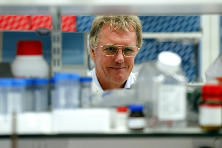 Scientist Peter J.Ratcliffe poses for photos in the laboratory at the University in Oxford, England, Monday, Oct. 7, 2019. Two Americans and a British scientist won the 2019 Nobel Prize for Physiology or Medicine for discovering how the body's cells sense and react to oxygen levels, work that has paved the way for new strategies to fight anemia, cancer and other diseases Drs. William G. Kaelin Jr. of Harvard University, Gregg L. Semenza of Johns Hopkins University and Peter J. Ratcliffe at the Francis Crick Institute in Britain and Oxford University will share the 9 million kronor ($918,000) cash award. (AP Photo/Frank Augstein)
