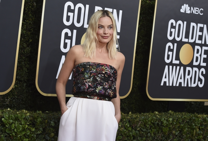 Margot Robbie arrives at the 77th annual Golden Globe Awards at the Beverly Hilton Hotel on Sunday, Jan. 5, 2020, in Beverly Hills, Calif. (Photo by Jordan Strauss/Invision/AP)